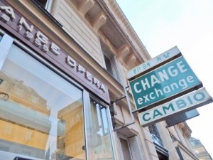 Spend your bitcoins at the currency exchange office cochange