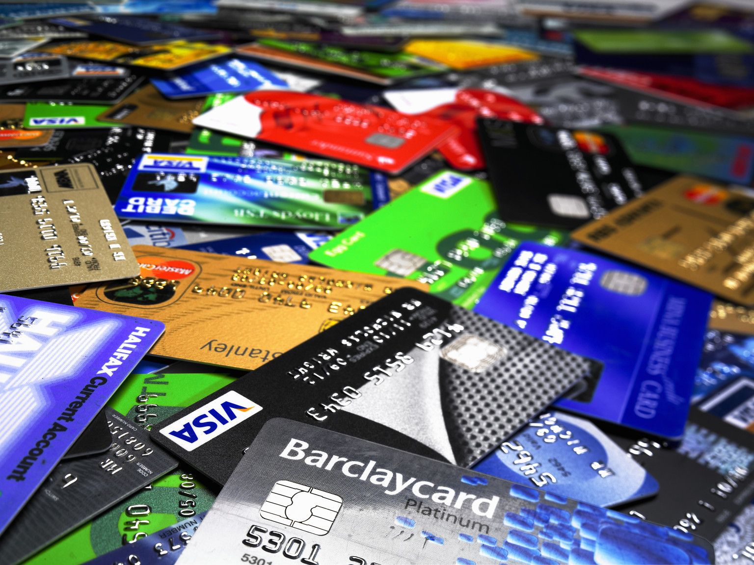 Which Credit Card Issuers Let You Pick Your Design