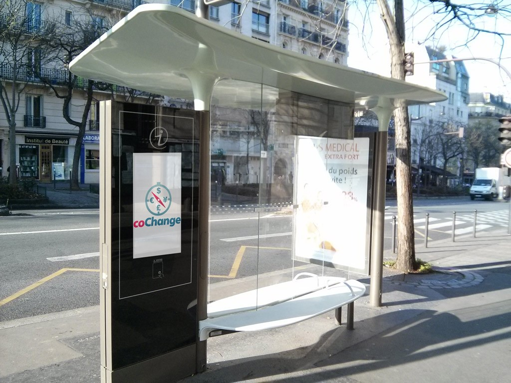 new bus shelters paris launches its smart city policy cochange. Black Bedroom Furniture Sets. Home Design Ideas